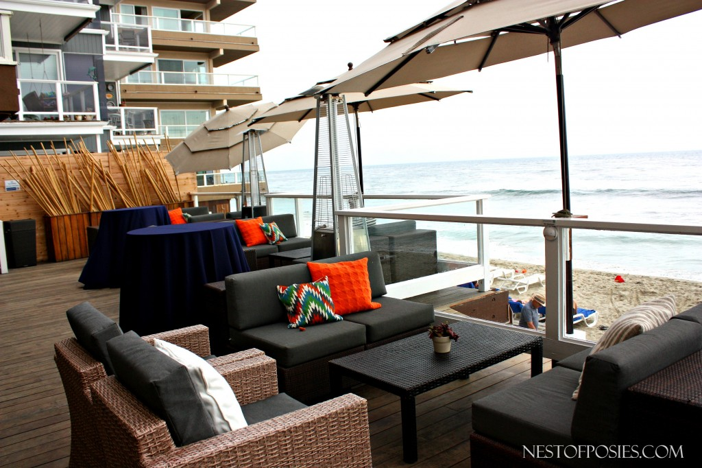 Entertaining Bungalow Deck at Pacific Edge Hotel