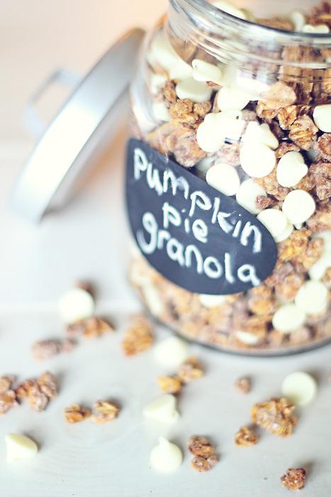 pumpkin-pie-granola-main