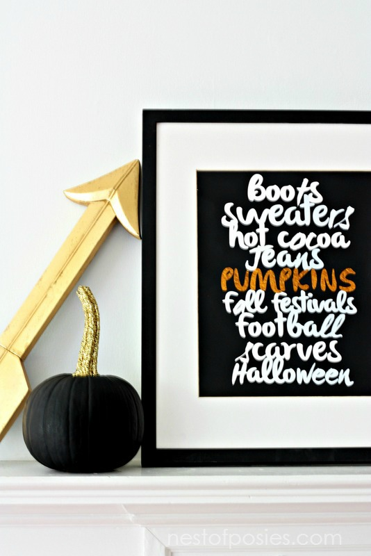 Favorite Fall Things Printable.  FREE Printable download in 8x10 or 11x14 to use in your own home
