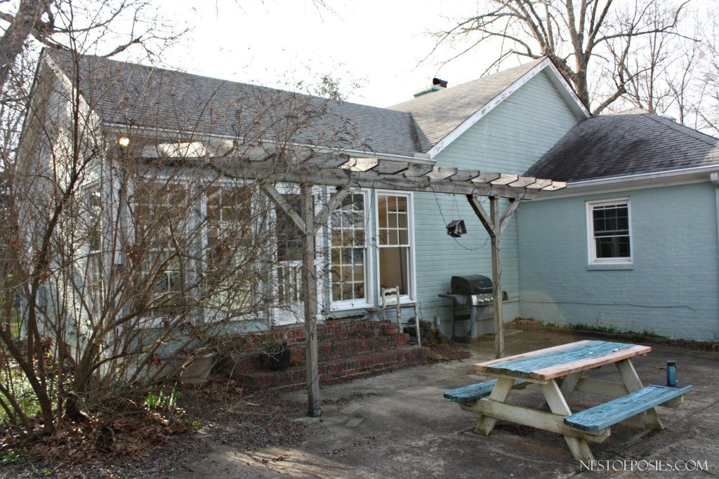 Side-view-of-Sunroom-and-Master