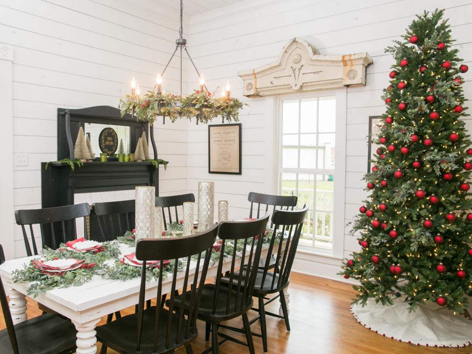 Fixer Upper Holiday Fireplace