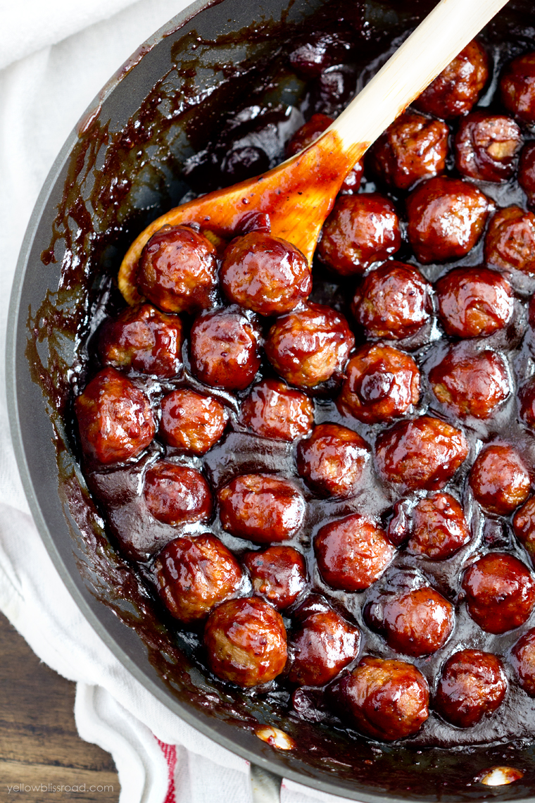 Christmas Appetizer Party Ideas Part - 31: Cranberry-barbecue-meatballs