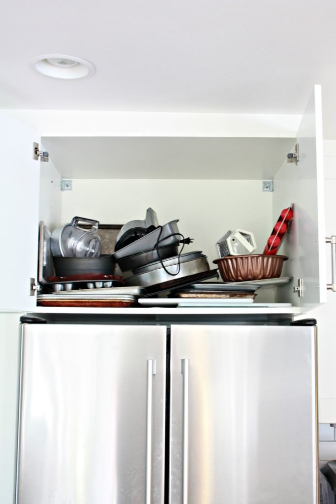 Bakeware Storage Organization Ideas