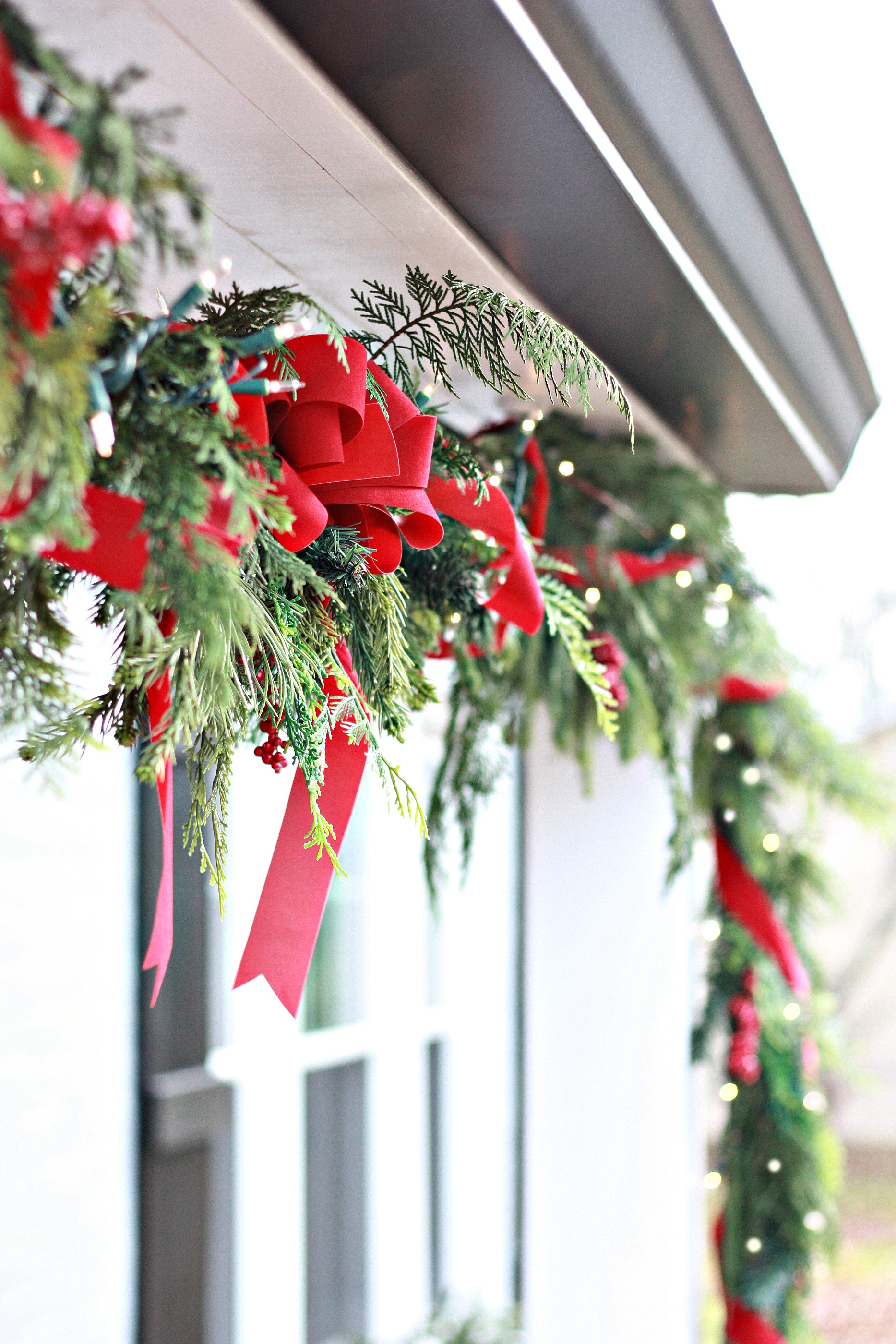 how to decorate christmas window boxes and outdoor garland. Black Bedroom Furniture Sets. Home Design Ideas